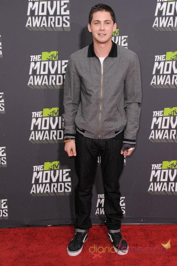 Logan Lerman en los MTV Movie Awards 2013