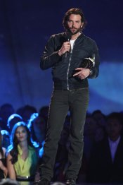 Bradley Cooper en los MTV Movie Awards 2013