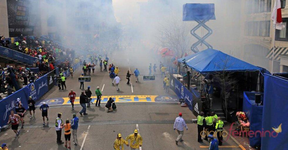 Dos bombas explosionaron en el maratón de Boston