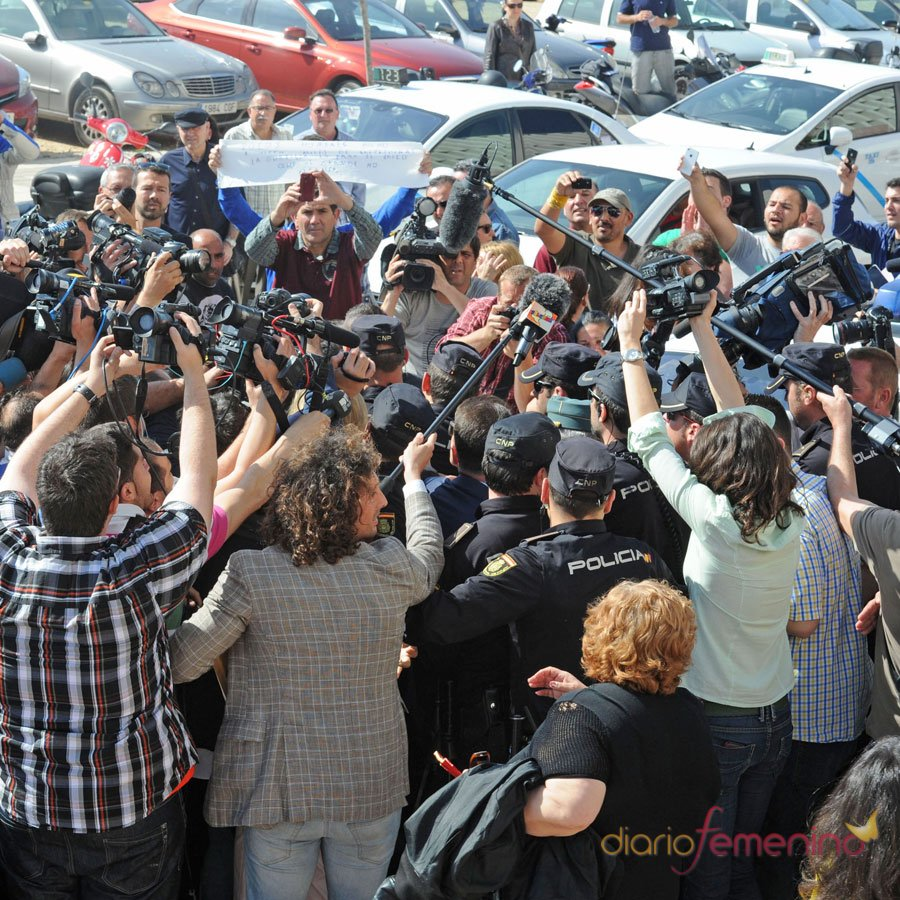 Así recibieron los medios a Isabel Pantoja libre de cárcel