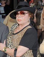 Marujita Díaz en la misa funeral de Sara Montiel