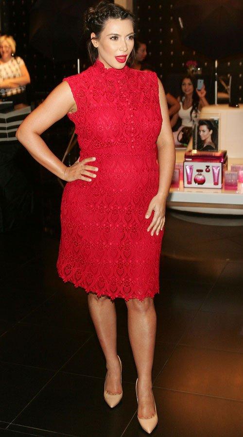 El vestido rojo de Kim Kardashian, embarazada