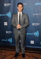 El actor Justin Bartha, protagonista de 'The New Normal', en los premios Glaad 2013
