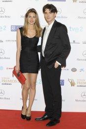 El look de Amaia Salamanca y Yon González durante los premios Iris 2013