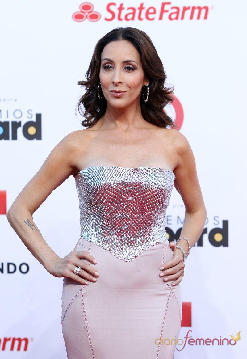 El look de Adriana Lavat en la alfombra roja de los Premios Billboard Latinos 2013