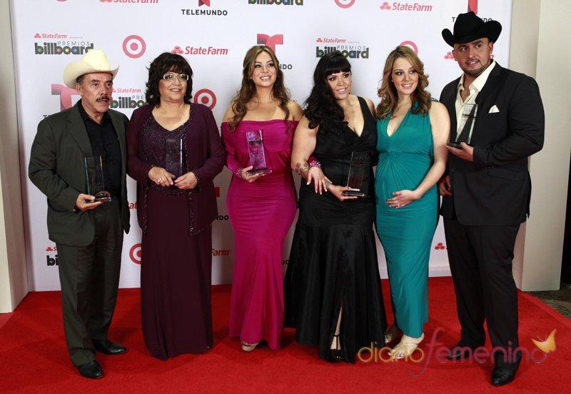 La familia de Jenny Rivera acude a los premios Billboard Latinos 2013