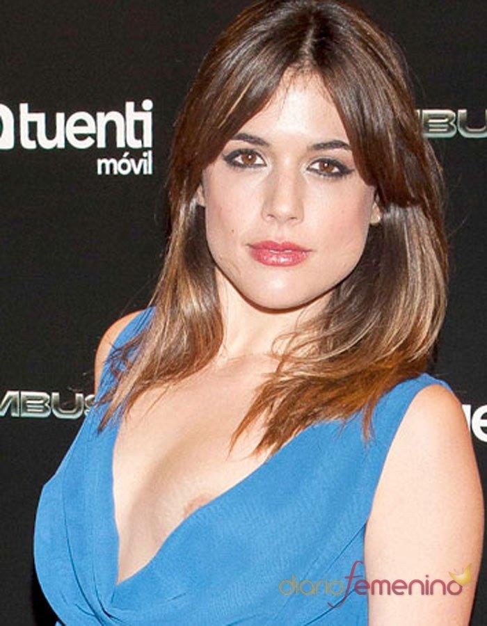 El descuido de Adriana Ugarte: pillada con el pecho al aire