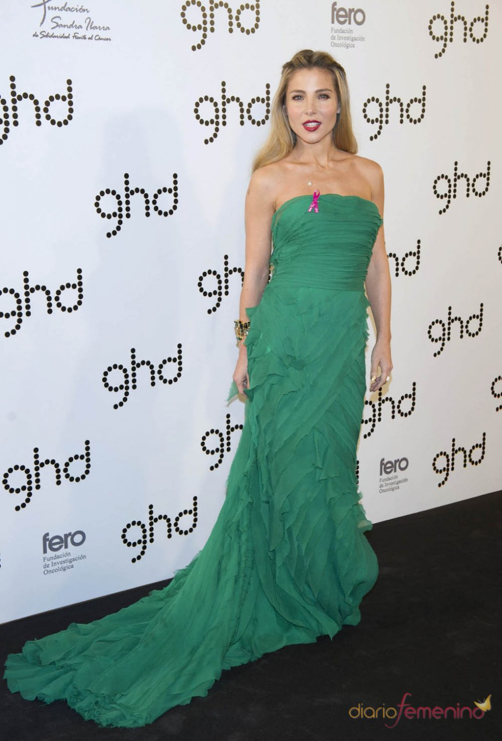 Elsa Pataky luce vestido largo de fiesta para acto de la firma GHD