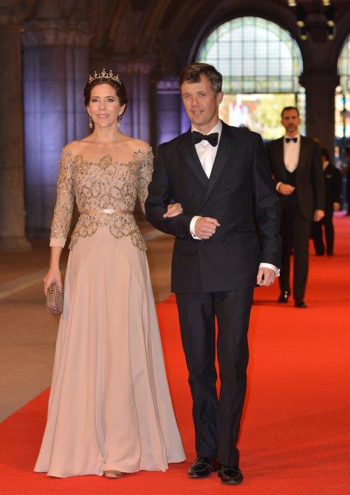 Federico de Dinamarca y Mary Donaldson en la última cena organizada por Beatriz de Holanda como Reina