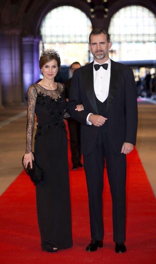 Los príncipes de España, Felipe y Letizia, en la última cena organizada por Beatriz de Holanda como Reina