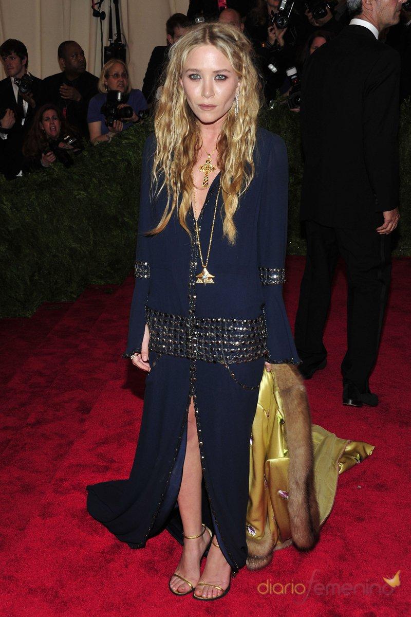 El look de Mary Kate Olsen en la gala MET 2013 dedicada a la estética Punk