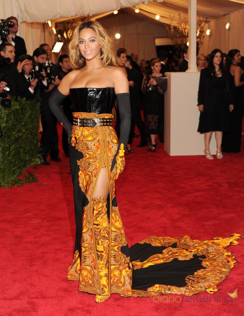 El look de Beyoncé Knowles en la gala MET 2013 dedicada a la estética Punk