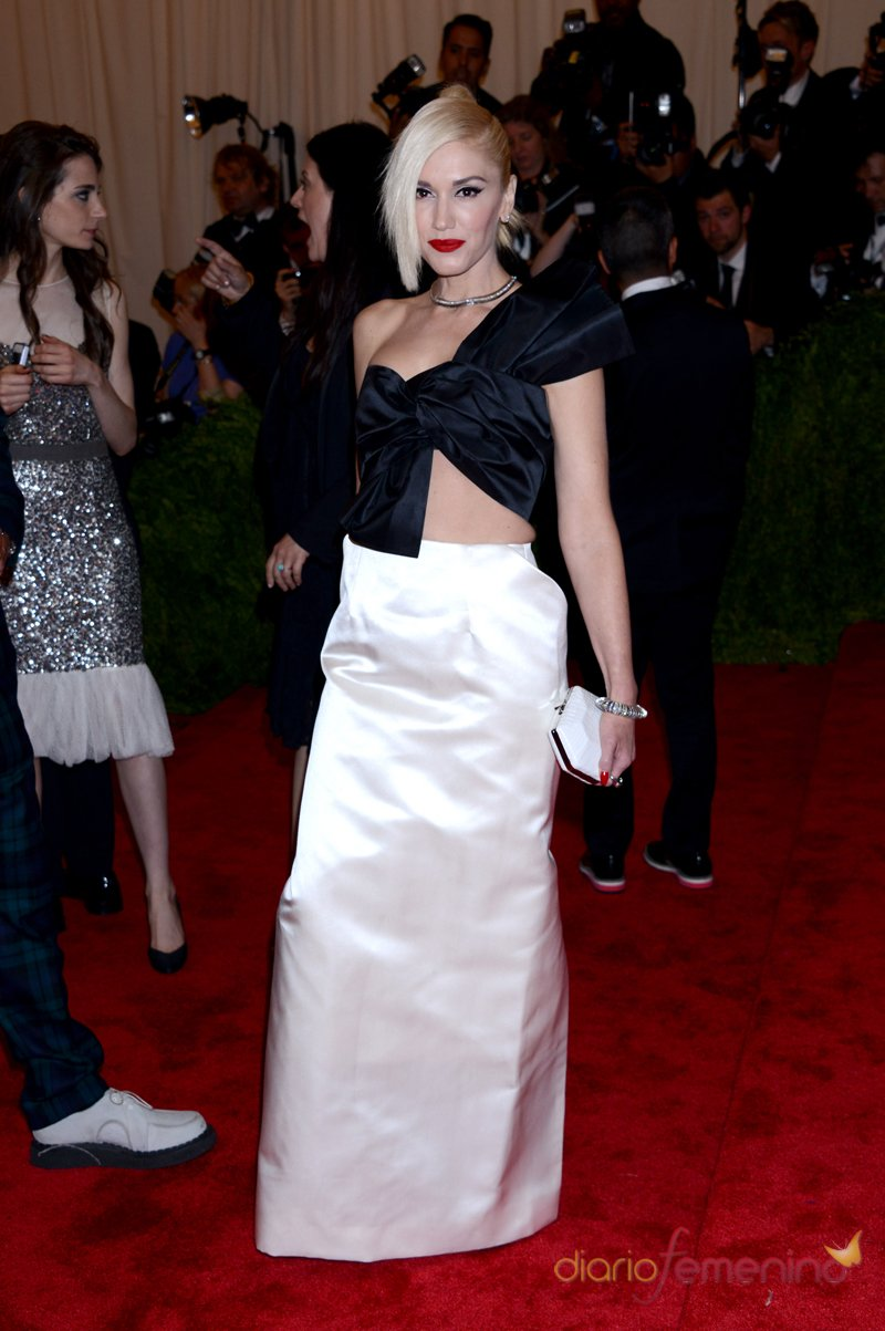 El look de Gwen Stefani en la gala MET 2013 dedicada a la estética Punk