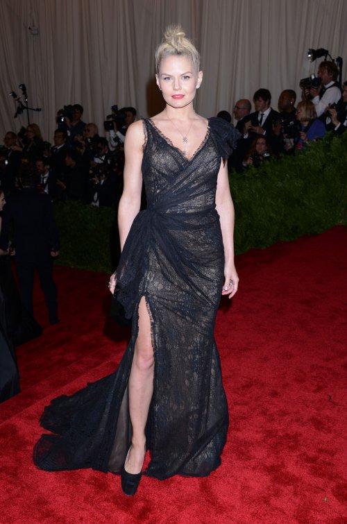 El look de Jennifer Morrison en la gala MET 2013 dedicada a la estética Punk