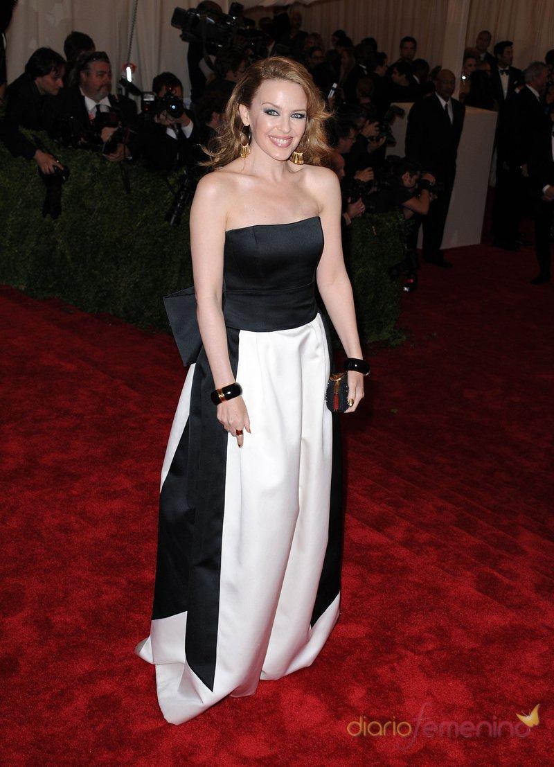 El look de Kylie Minogue en la gala MET 2013 dedicada a la estética Punk