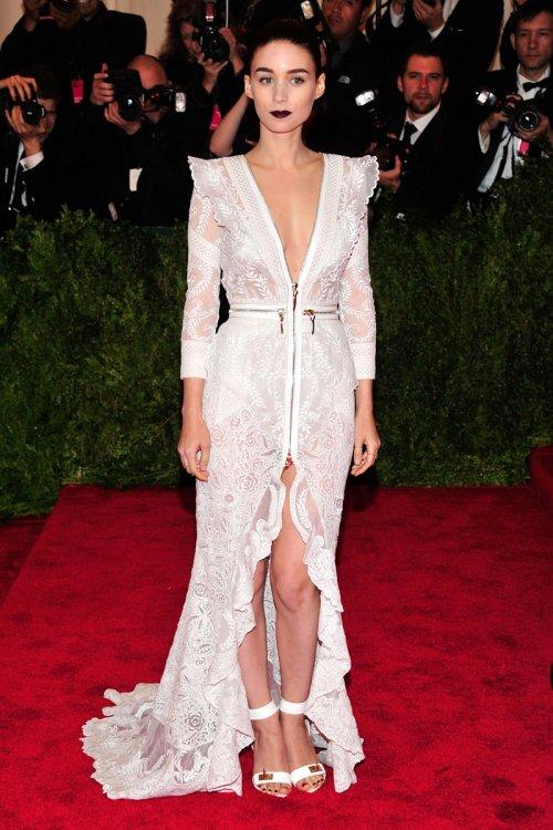 El look de Rooney Mara en la gala MET 2013 dedicada a la estética Punk