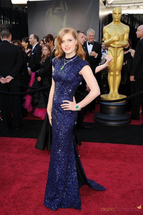 Vestidos de noche: Look brillante y azul de de Amy Adams