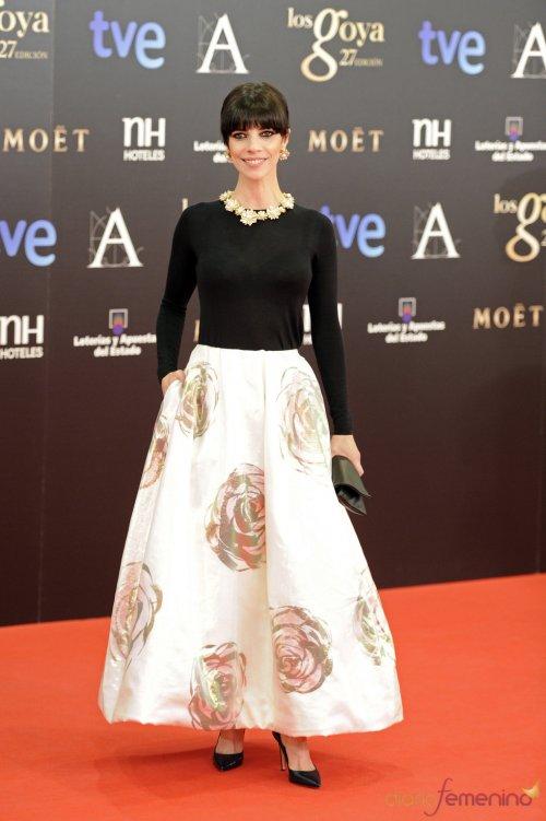 Vestidos de noche: Look florido de Maribel Verdú