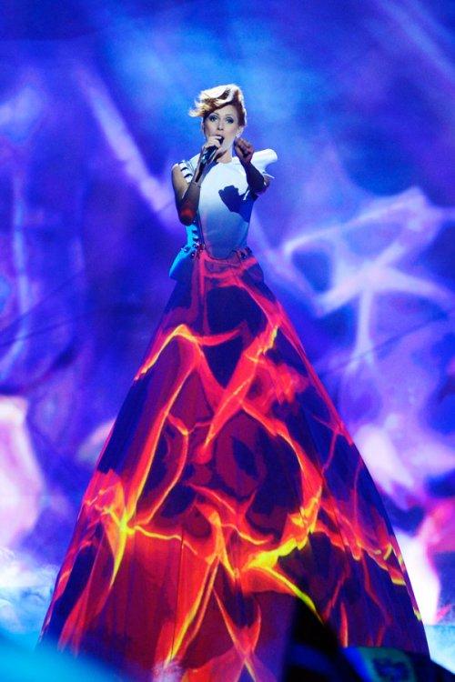 Eurovisión 2013: el vestido de luces de Moldavia