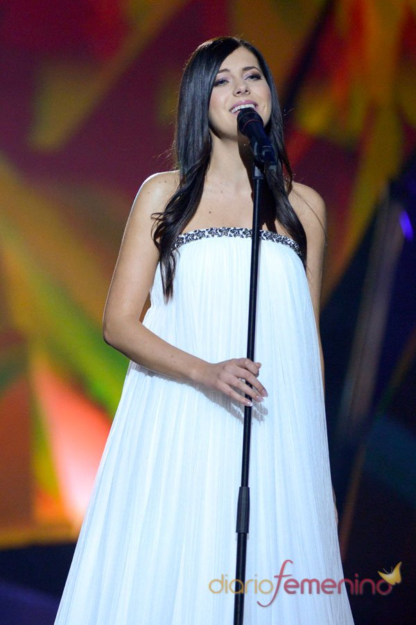 Eurovisión 2013: Estonia y su bellísima hada blanca