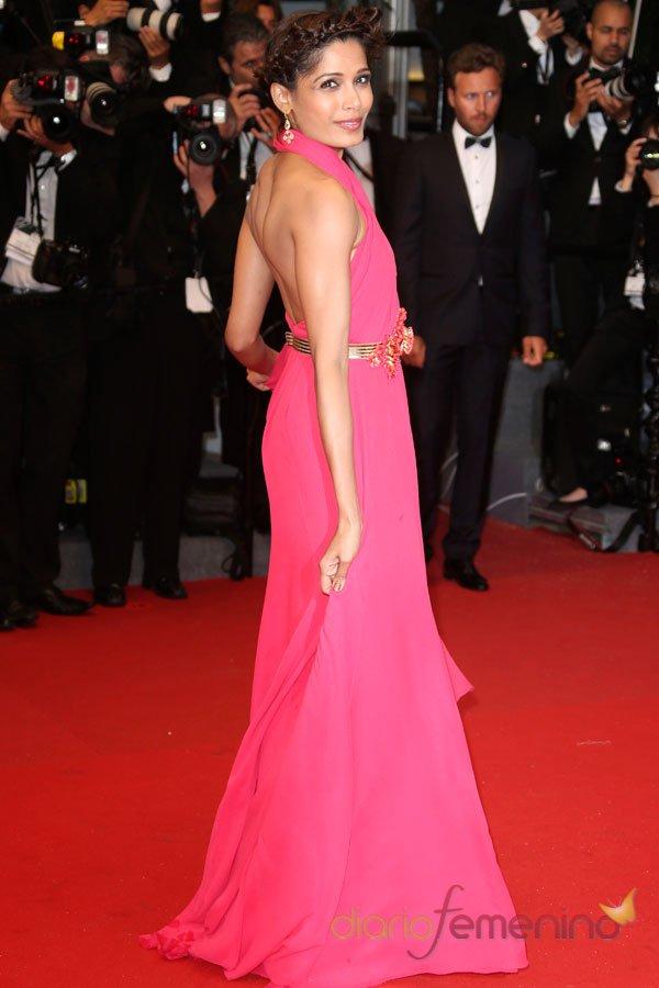 El vestido rosa de Freida Pinto en el Festival de Cannes 2013