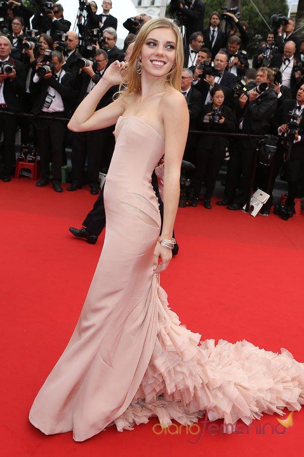 El vestido de fiesta de Claire Julien: elegancia en el Festival de Cannes 2013