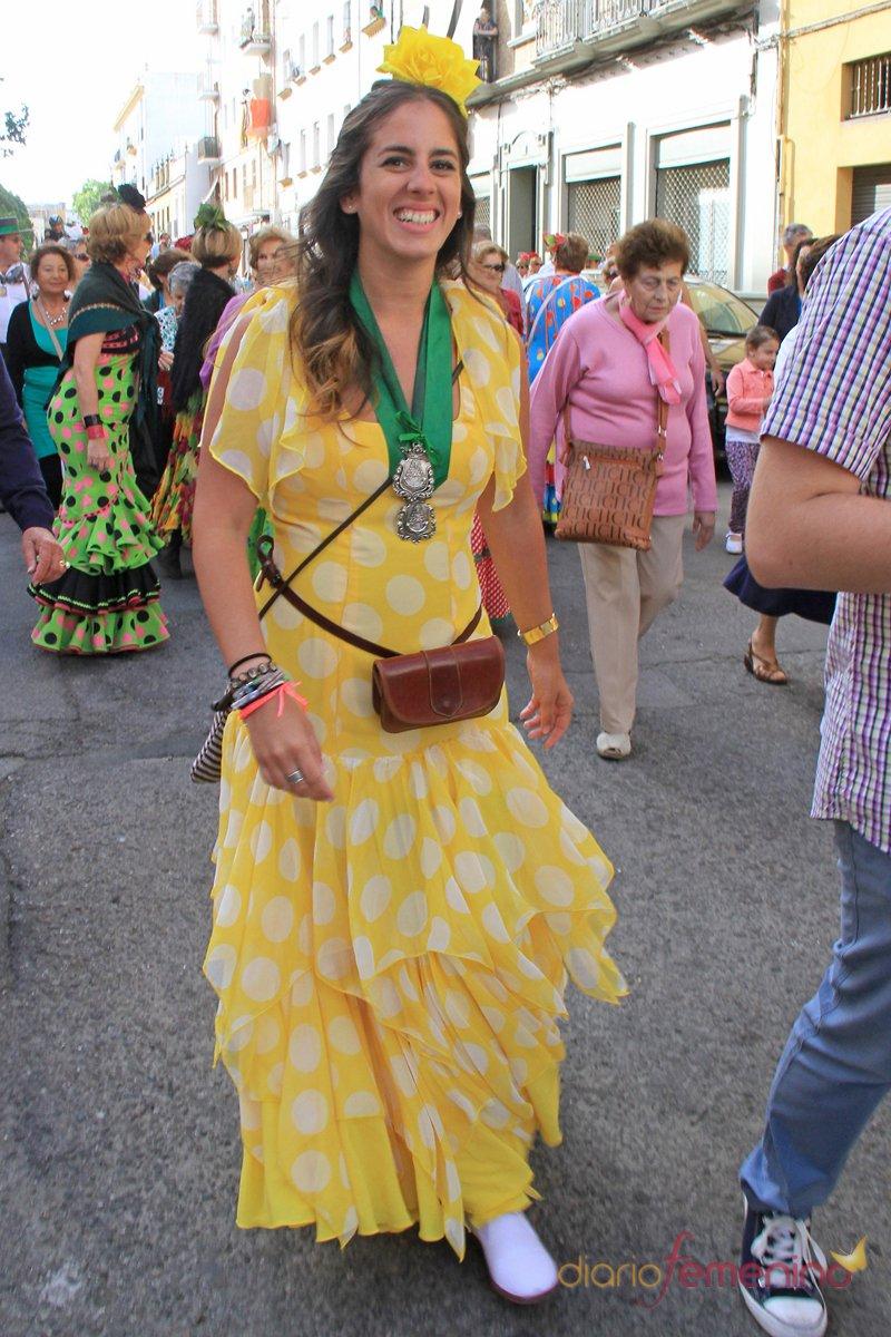 Anabel Pantoja, con un precioso vestido amarillo en el Rocío 2013