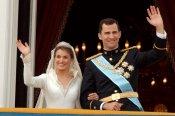 El saludo de la boda de Letizia y el Príncipe Felipe desde el balcón