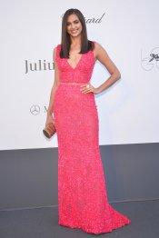 Irina Shayk y su espectacular vestido rosa en la gala Amfar del Festival de Cannes 2013