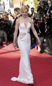Nicole Kidman, escote de escándalo en el Festival de Cannes 2013