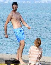 Ana Fernández y su novio explosivo en la playa
