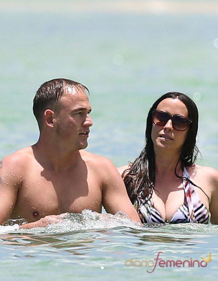 Alanis Morrisette, más gorda que nunca en la playa