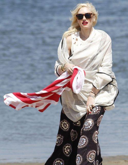 Gwen Stefani y su 'no' bikini: su look absurdo en la plata