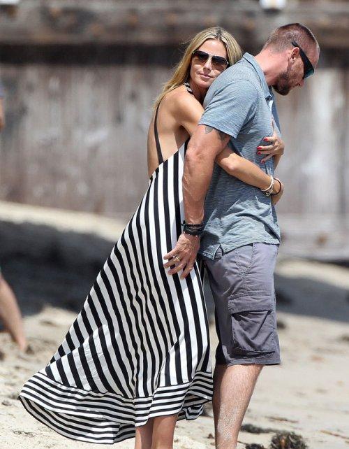 Heidi Klum y su marido: pasión en la playa