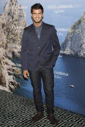 El guapo Maxi Iglesias en la fiesta Dolce y Gabbana Mediterranean Summer 2013