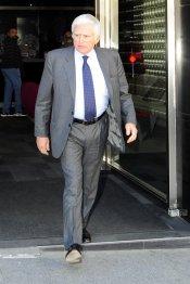 Paolo Vasile, consejero delegado de Mediaset, acompaña a Raquel Sánchez Silva en los malos momentos