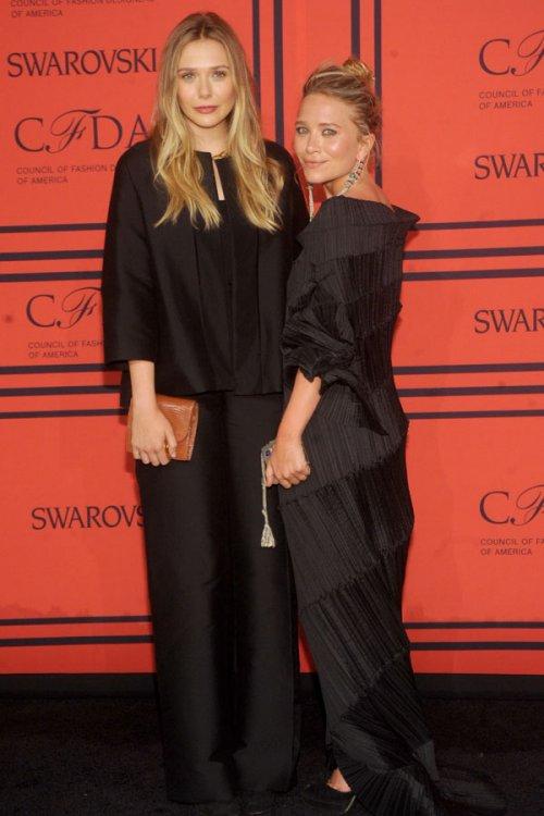 Las hermanas de Olsen, vestidos de funeral en los CFDA 2013