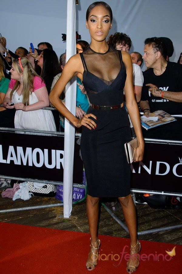 Jordan Dunn, sensual y transparente en la fiesta del glamour