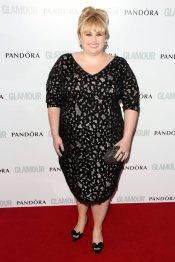 Rebel Wilson, de la polémica a la elegancia en la fiesta del glamour