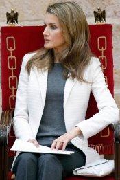 Letizia y su cara alucinada al lado del Príncipe Felipe
