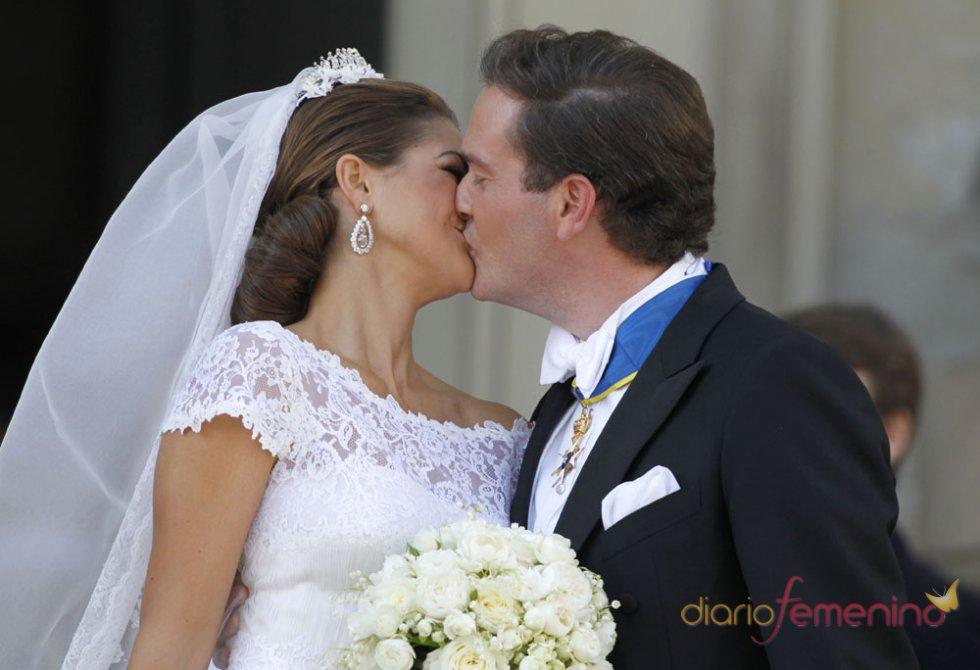 El beso más romántico de Magdalena de Suecia y Chris O'Neill en la Boda Real