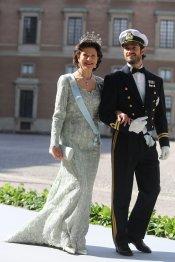 La reina Silvia de Suecia y su marido Carlos Felipe en la Boda real de Suecia