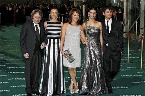 Elías Querejeta con Blanca Portillo, Maribel Verdú, Gracia Querejeta y Raúl Arévalo en los Goya 2008