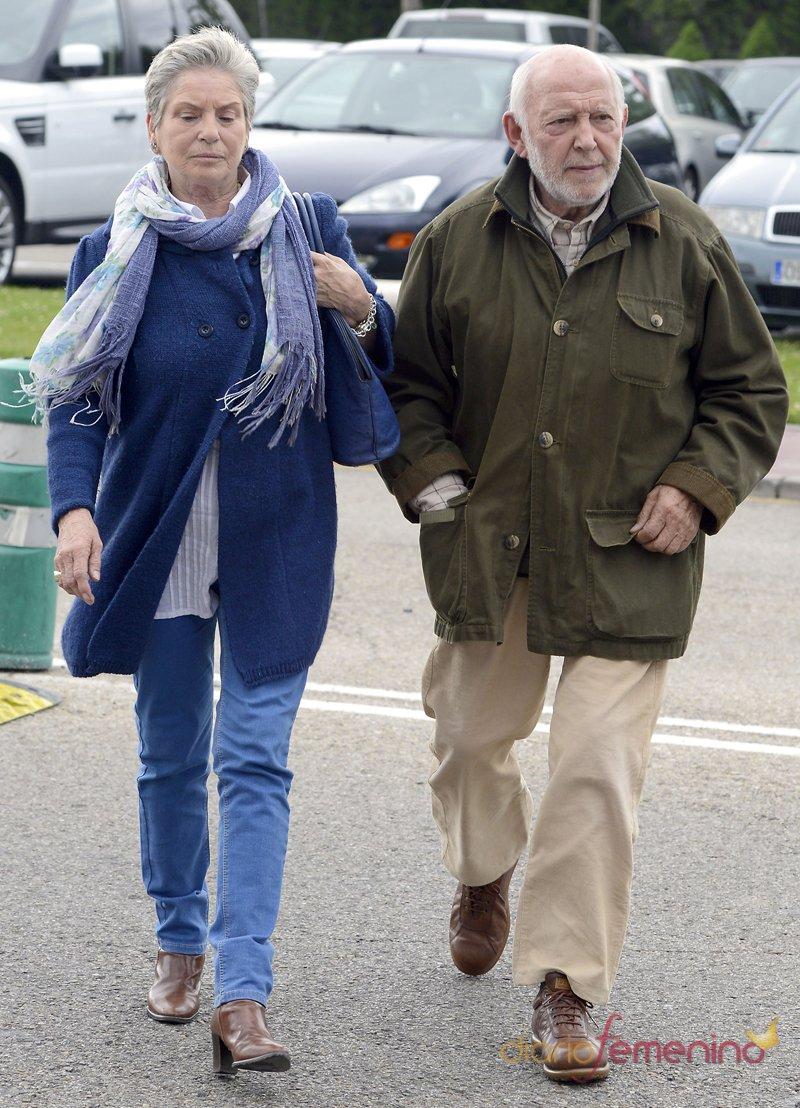 El actor Álvaro de Luna y su mujer dan un último adiós a Elías Querejeta