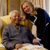 Nelson Mandela, con Hillary Clinton
