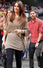 Xabi Alonso y su mujer, Nagore Aramburu, embarazada: guapos a rabiar