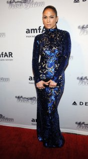 El look de Jennifer López: su vestido de fiesta azul