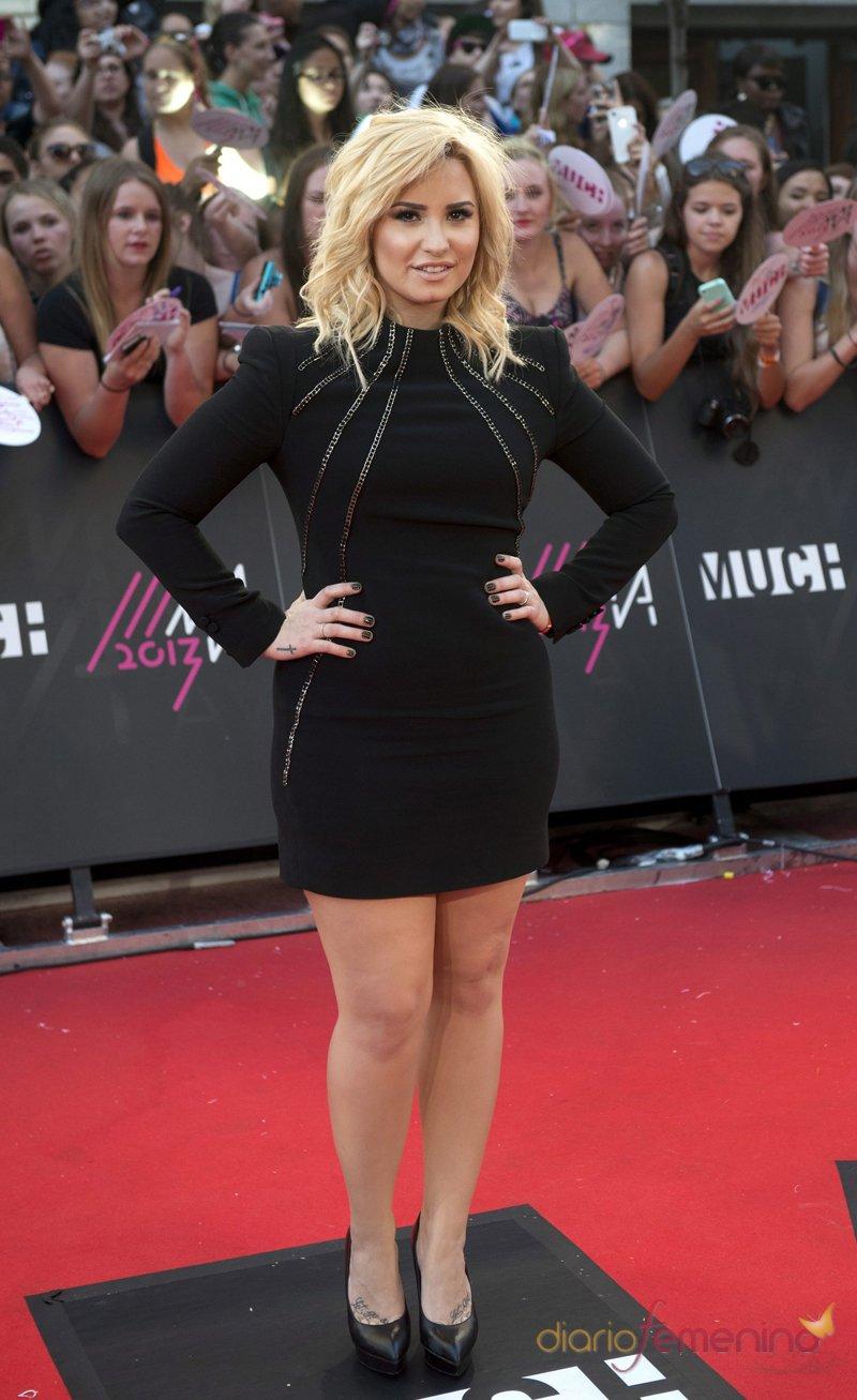 Demi Lovato, con un vestido negro en los premios MuchMusic 2013