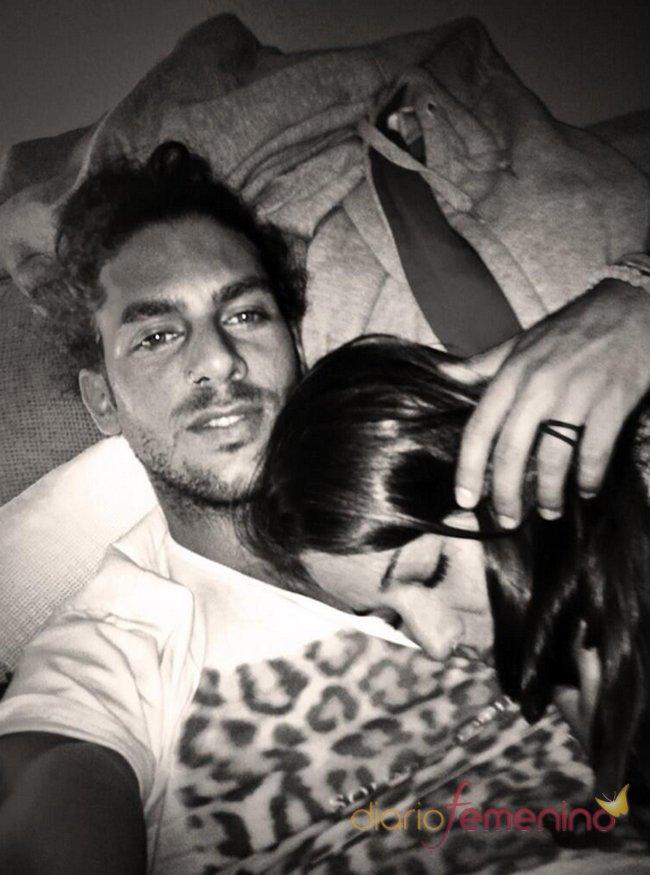 La imagen más romántica de Sonia Walls y Kristian: durmiendo juntos