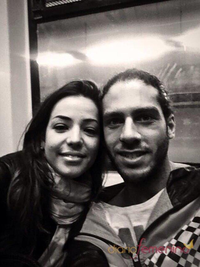Foto en blanco y negro de Kristian y Sonia Walls, la pareja consolidada de GH 14
